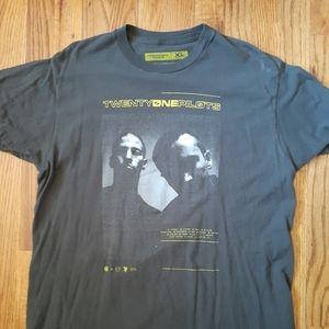 Twenty One Pilot's tshirt